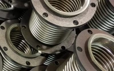 Metal expansion joints for generator sets
