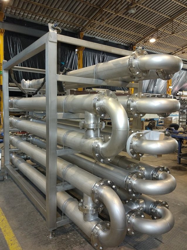 Heat exchanger intended for water heating by means of thermal oil